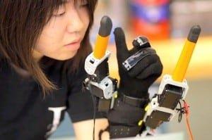 Dwa dodatkowe palce od MIT