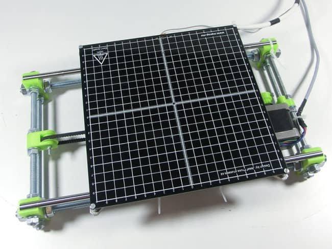 Złożony stół drukarki 3D