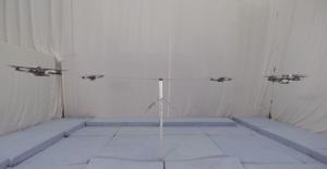 Taniec synchroniczny w wykonaniu quadrocopterów
