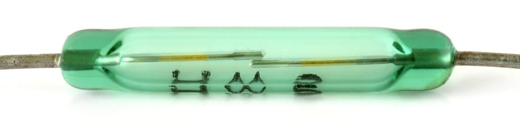 Kontaktron - element stykowy reagujący na pole magnetyczne