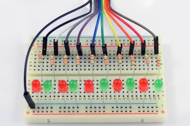 Linijka diod święcących podłączona do STM32.