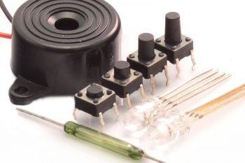 Kurs elektroniki II – #2 – przyciski, diody RGB, kontaktron