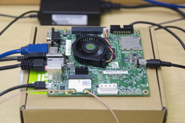 Zestawiony układ wraz z zainstalowaną kartą WiFi Intel 7260.