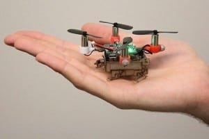 Robot-owad Picobug. Chodzi, lata i mieści się na dłoni!