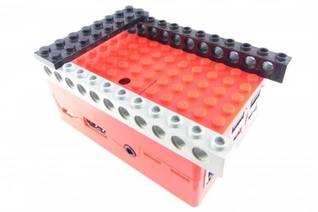 Łączenie klocków LEGO z obudową w praktyce!