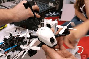Tańszy i mniejszy dron wyścigowy od RotorX