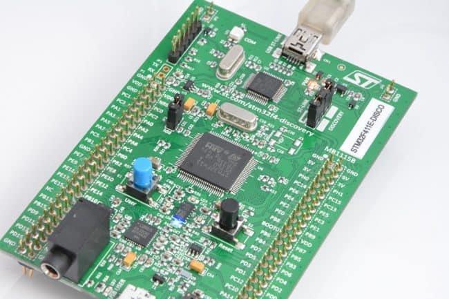 Pierwszy programdziała - włączenie diody!