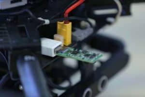 Inteligentniejsze urządzenia dzięki sieci neuronowej na USB