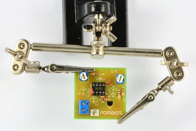 Krok 8: montaż złącza zasilania (ARC).