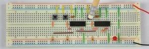 Tylko przycisk pod platformą – dioda wyłączona.