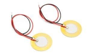 Przykładowe blaszki piezoelektryczne.