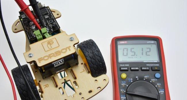 Pomiar napięcia dopływającego do silników przy wybranym PWM.