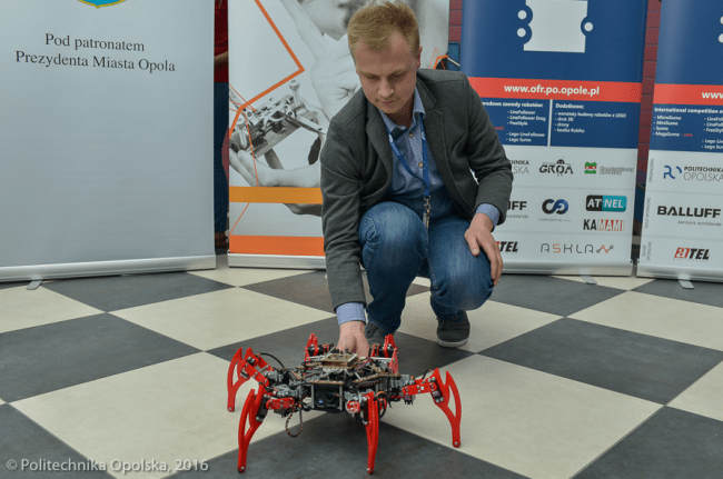 Robot hexapod prezentowany podczas Festiwalu w zeszłym roku.