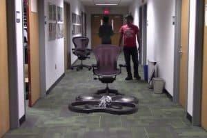 Nauka latania przez rozbijanie się