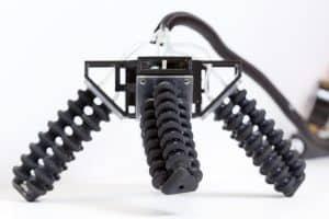 Miękki robot wydrukowany w 3D pokonuje nierówne podłoża