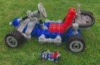 Gokart z wielkich klocków LEGO wydrukowanych w 3D