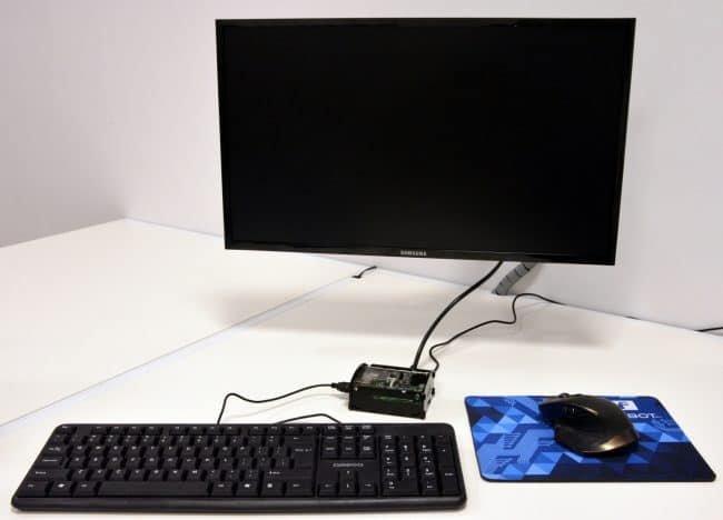 Miniaturowy komputer gotowy do pracy!