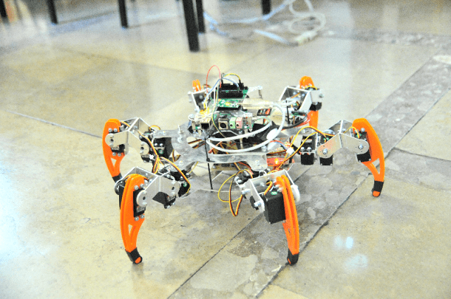 Konkurencja Freestyle – hexapod.