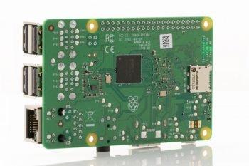 Raspberry Pi 3 model B+ (przód)