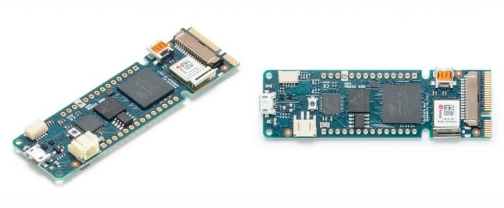 Płytka Arduino MKR Vidor 4000.