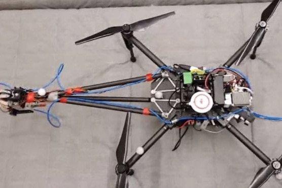 Zmodyfikowany dron Disney'a -