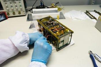 Montaż satelity