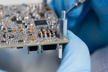 Część elektroniki satelity – Electrical Power System (EPS)