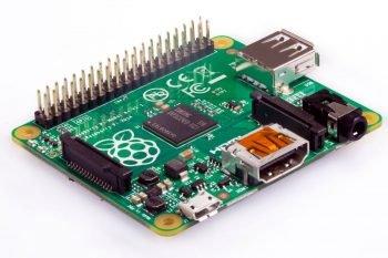 Starszy model Raspberry Pi 1 model A+ - widok izometryczny