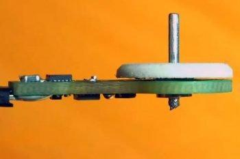 Jak zbudować miniaturowy silnik z płytki PCB?