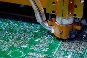 Jak powstaje PCB? Wycieczka po fabryce płytek drukowanych