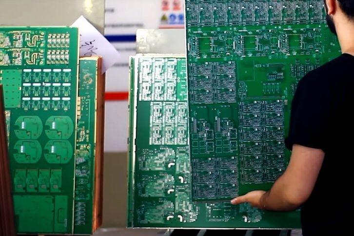 Arkusze PCB z naniesioną powłoką zabezpieczającą miedź przed utlenianiem