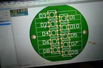 Projekt PCB z widocznymi diodami WS2812