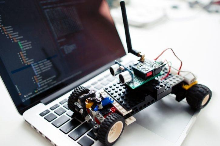 Narzędzie to może przydać się również podczas programowania systemów embedded