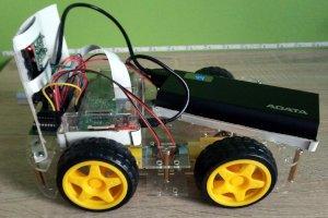 Robot na Raspberry Pi z kamerą sterowany przez sieć