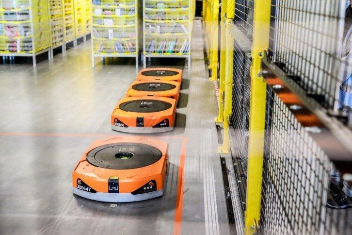 Roboty pracujące w Amazon