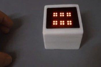 Arduino wewnątrz cyfrowej kostki do gier planszowych
