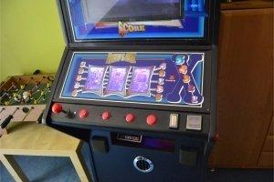 Automat do gier z RPi + głośniki i schładzarka do napojów