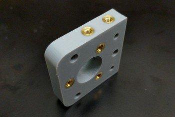Jak łatwo umieszczać wytrzymałe gwinty w wydrukach 3D?