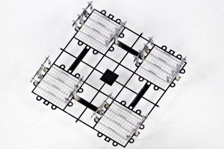Misterna konstrukcja składa się z 41 miniaturowych elementów