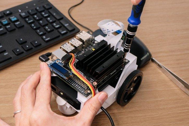 NVIDIA Jetson zamontowany na robocie