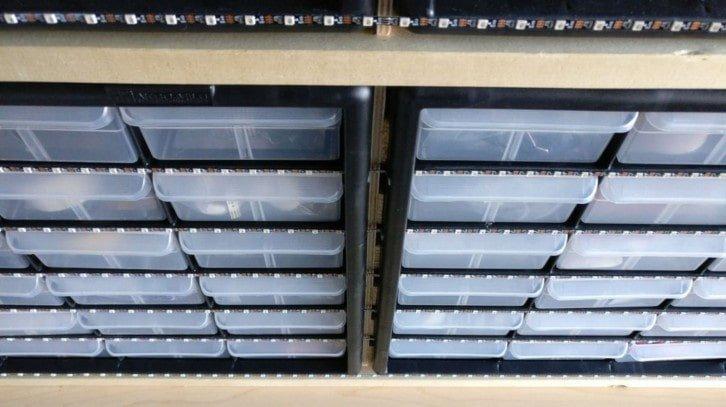 Paski LED podświetlające szufladki
