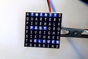 Miniaturowy zegar tekstowy DIY z modułem Bluetooth