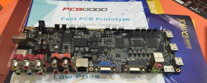 Przykład zmontowanej płyty PCB