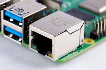 Złącza USB 3.0 i Gigabit Ethernet w Raspberry Pi 4
