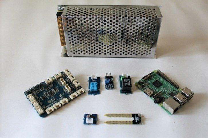 Projekt składa się ze stosunkowo niewielkiej liczby elementów elektronicznych
