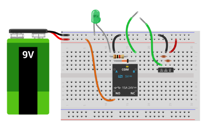 Pierwsza wersja schematu montażowego z małym przekaźnikiem