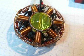 Gotowy moduł latarki z kryształem w centrum