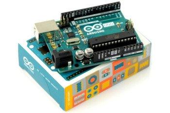 Oryginalne Arduino UNO wchodzące w skład zestawu