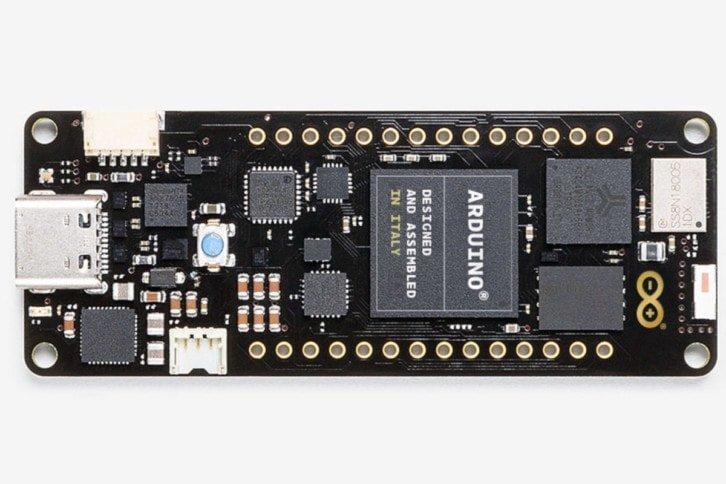 Arduino Portenta H7 wyposażono w układ STM32H747
