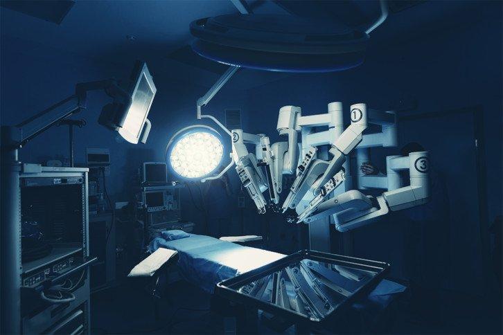 Roboty na salach operacyjnych stają się codziennością